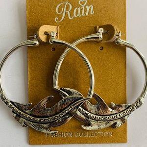 Silver-toned feather hoop earrings by Rain NEW